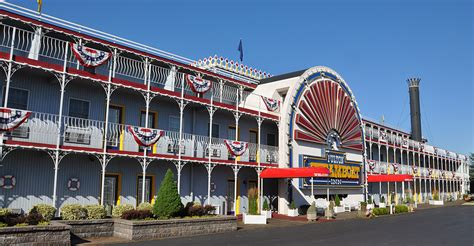 steamboat hotel lancaster pa ship shaped buildings roadsidearchitecture