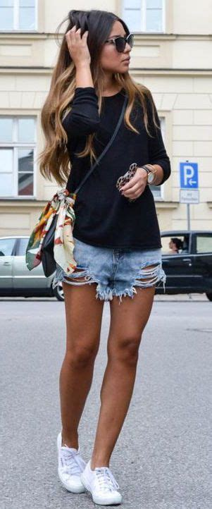 Ways To Look In Shorts by 40 Cool Ways To Wear Denim Shorts For A Stylish Summer