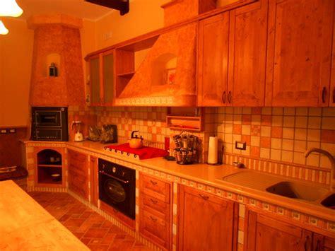 rivestimento finto legno rivestimento soffitto finto legno idee di design nella