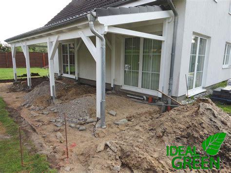 vordach terrasse terrasse vordach erdarbeiten ideal green