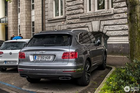 bentley bentayga grey bentley bentayga 16 april 2016 autogespot