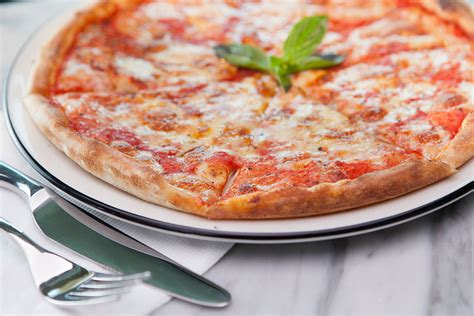 york house of pizza 100 free pizzas being given away in york on tuesday yorkmix