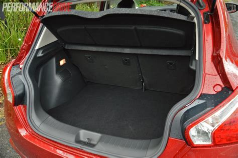 nissan tiida trunk space 2014 nissan pulsar sss cargo space