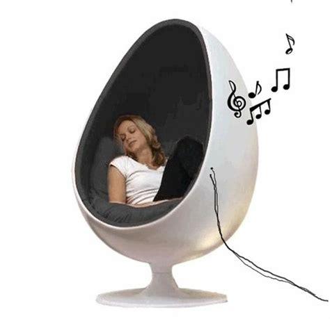 eggchairs inclusief speakers eggchair speaker chair