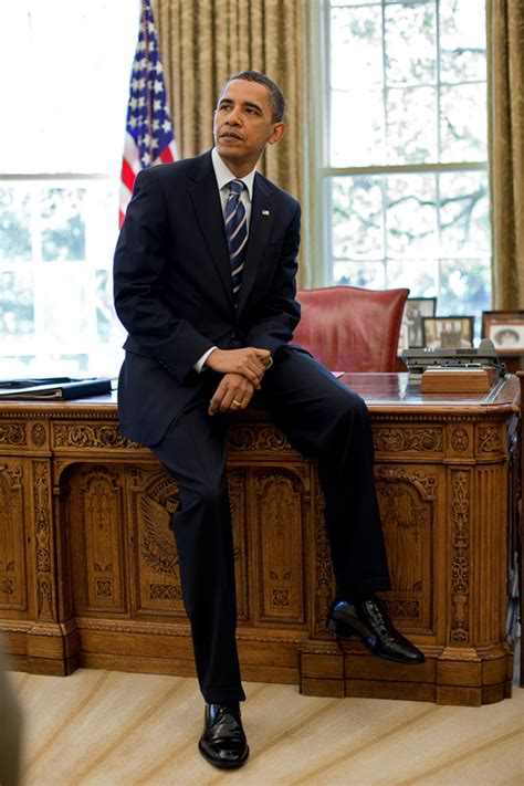 obama resolute desk random white house facts the history of the resolute desk