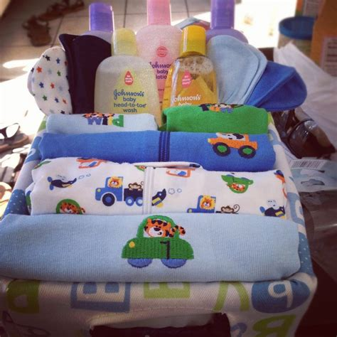 Creative Baby Shower Gifts by Creative Baby Shower Gift Ideas For Boys Ftrtuyimq Baby
