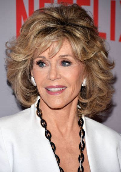 is jane fondas hair naturally curly 30 most stylish and charming jane fonda hairstyles