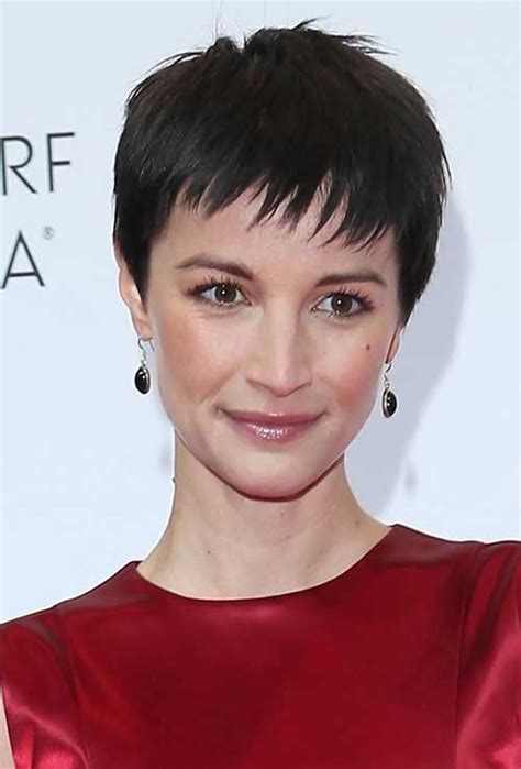 short haircuts with minimum care 14 medium length pixie cuts pixie cut 2015