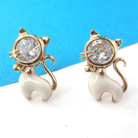 cat animal small stud earrings in gold with