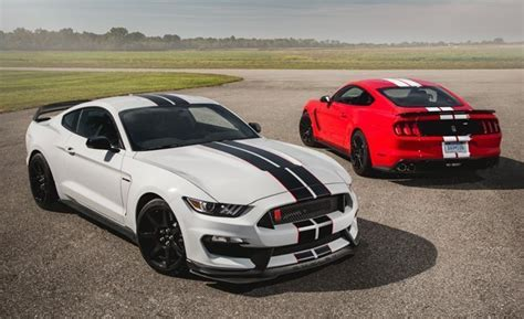 ford lawsuit 2016 mustang owners sue ford claiming 2016 shelby gt350