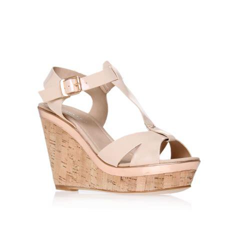carvela kurt geiger kab wedge court shoes in beige