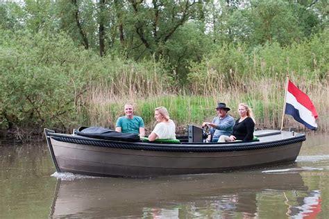 kajuitboot huren biesbosch sloep of bootje huren in de biesbosch diepstraten