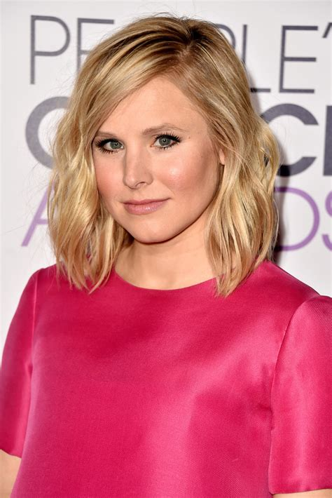 kristen bell medium straight cut edgy chic kristen bell kristen bell medium wavy cut medium wavy cut lookbook