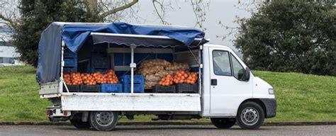 commercio ambulante itinerante alimentare allarme venditori ambulanti di cibo sulle nostre strade