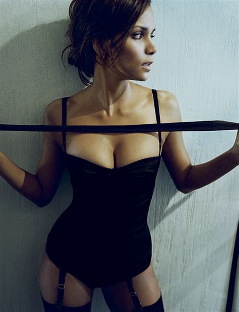 Halle Berry And Damn In Esquire Egotastic by Esquire Magazine Halle Berry Photo 268860 Fanpop