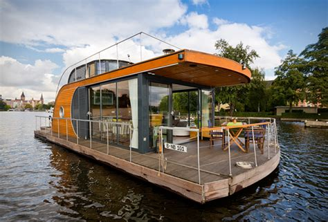 houseboats to live in live on the water with a nautilus houseboat sneakhype