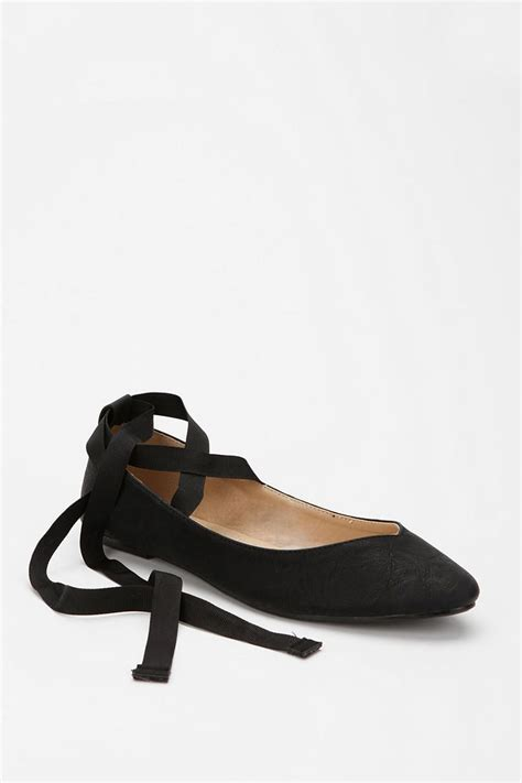 Flatshoes Ribbon Black my got me my pair of ribbon flats when i was 5