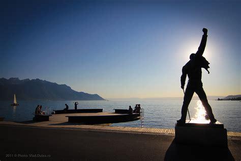 Multiplex House by Statuia Lui Freddie Mercury Din Montreux Poza Pentru Care