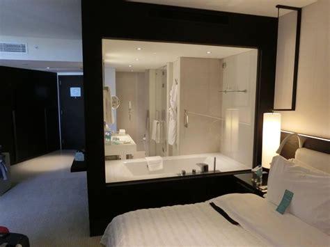 schlafzimmer mit bad bild quot schlafzimmer mit blick aufs bad quot zu le royal