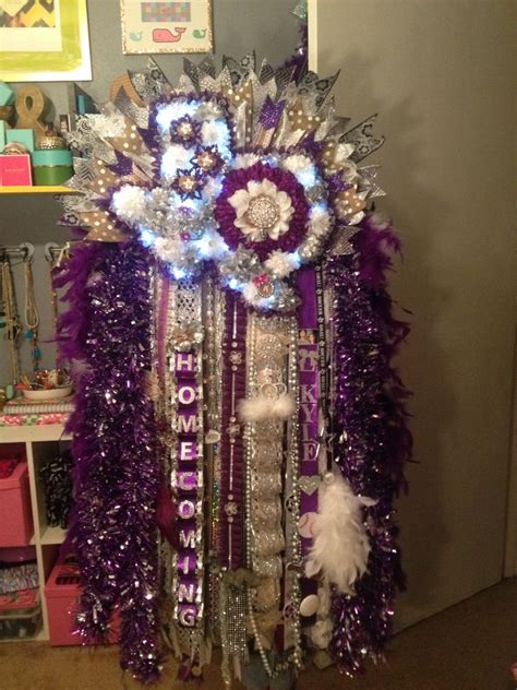 daughters junior year mum mum homecoming texasmum footballlllll pinterest the o jays