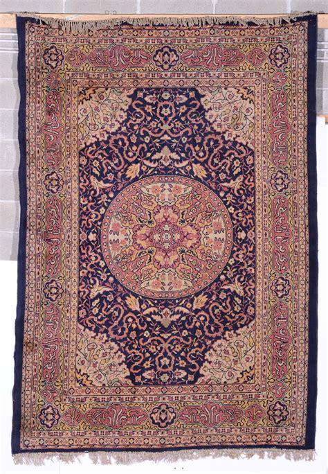 tappeti macchina lotto di due tappeti fatti a macchina xx secolo tappeti