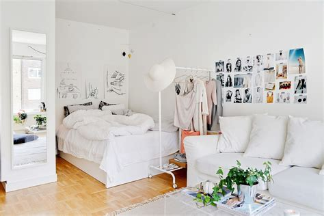 How To Divide Studio www elizahittman com how to divide a studio apartment