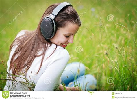 pretty woman mp3 portrait of young woman listening to royalty free stock