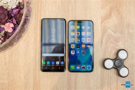 samsung galaxy s9 vs apple iphone x look