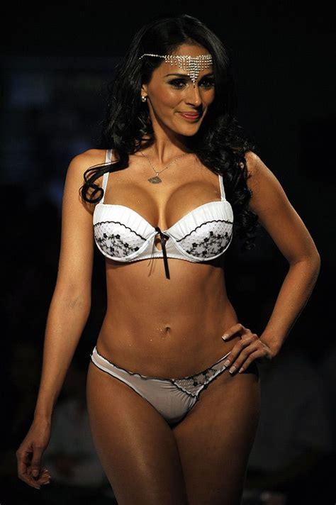 imagenes hot modelos lenceria colombiana transparente en fotos sensuales