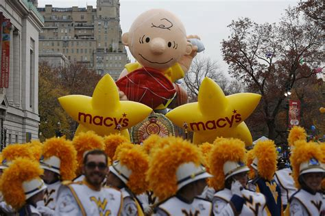 thanksgiving day brown thanksgiving day parade 2016 in new york