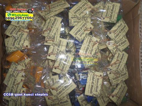 Promo Souvenir Gantungan Kunci Steples Souvenir Pernikahan steples souvenir gantungan kunci souvenir pernikahan