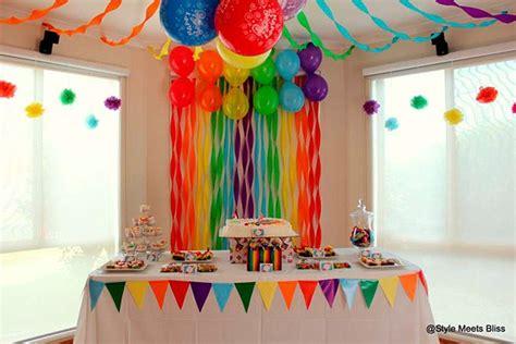 decorar paredes torcidas c 243 mo hacer cortinas de papel crepe para fiestas infantiles