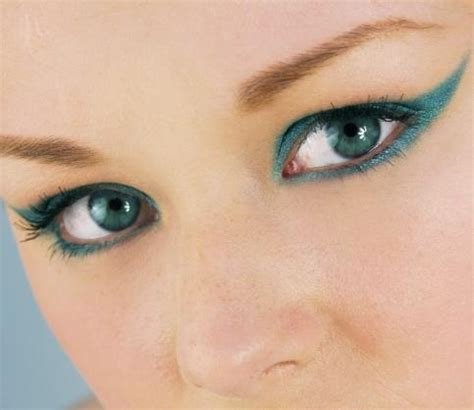 photos of eye shadow colors for aqua turquoise