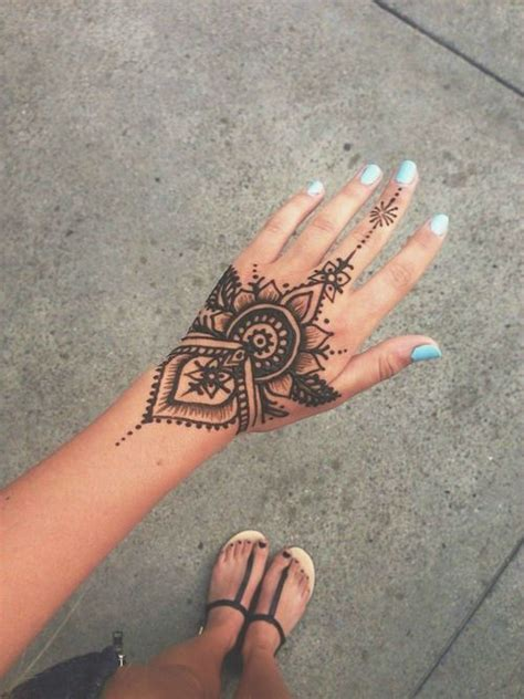 pretty hand tattoos 40 delicate henna designs beautiful henna