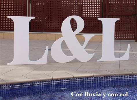 letras grandes decoracion con lluvia y con sol letras gigantes para bodas