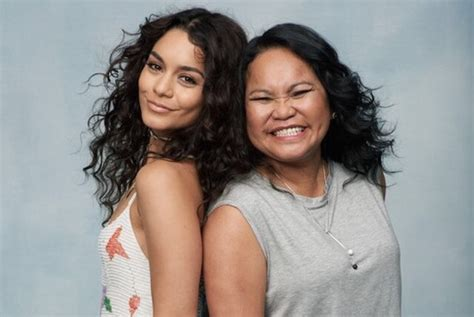 vanessa hudgens mom vanessa hudges opens up about her relationship with