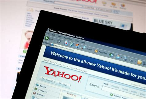email yahoo down yahoo mail down emails not sending for customers across