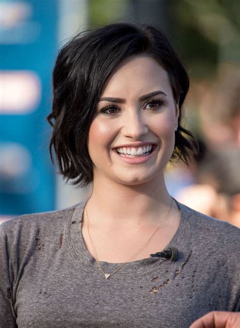 looking for a new short haircut for a 65 year old demi lovato s short haircut celebrity beauty ideas glamour