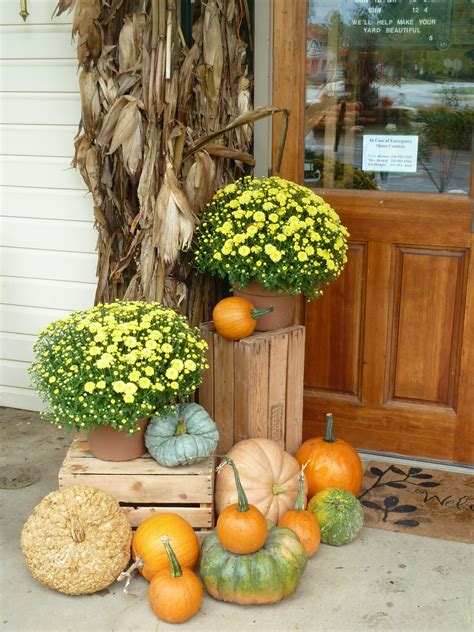 pretty fall decorations 85 pretty autumn porch d 233 cor ideas digsdigs