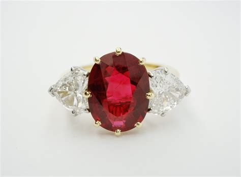 Blood Ruby 14 75ct oval ruby diamonds