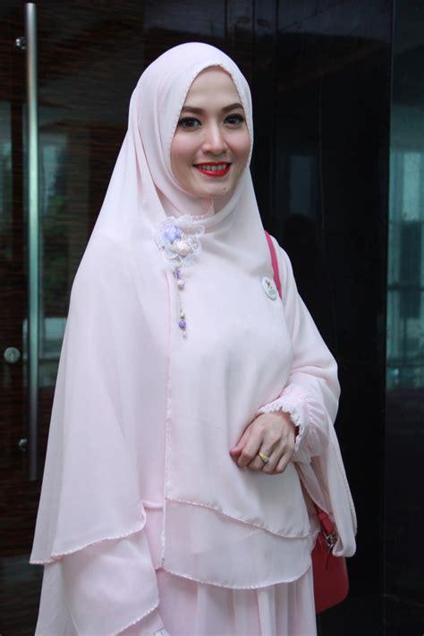 Kerudung Zoya Buat Anak Sekolah muslimah cantik rachael edwards