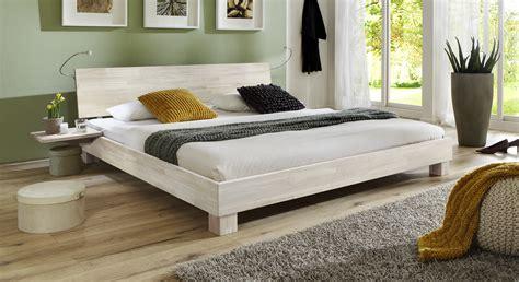 Doppelbett Modern by Elegantes Doppelbett Aus Massiver Buche Lesina I Betten De