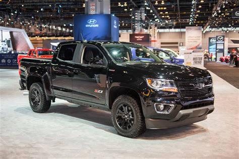 chevy colorado midnight edition 2016 colorado z71 midnight edition live pics gm authority