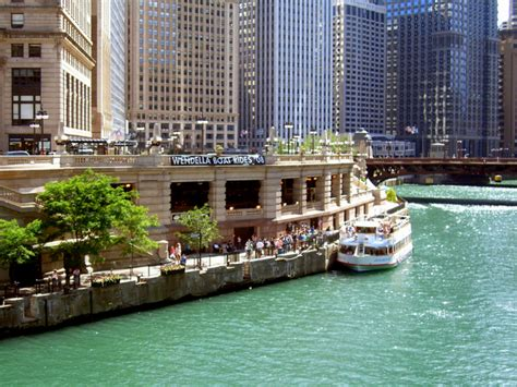 boat cruise on chicago river chicago architectural river boat cruise holiday travel deals
