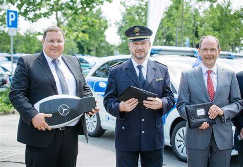 Bewerben Bei Der Polizei Sachsen Elektromobilit 228 T Polizei Sachsen F 228 Hrt B Klasse Mit Elektroantrieb Sek Einsatz De