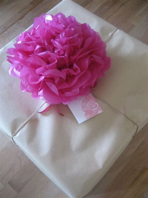 How To Make Bows With Tissue Paper - 136 best images about tissue paper craft ideas on
