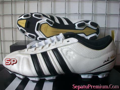 Sepatu Bola Adidas Adinova november 2011 obral sepatu original