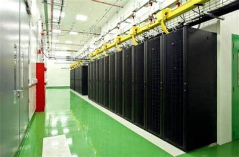 layout ruang data center raised floor vs slab 2