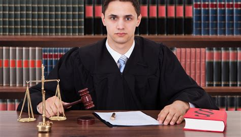 Can U Be A Lawyer With A Criminal Record Why Hiring A Professional Criminal Lawyer Is Your Best Option Hcad Option