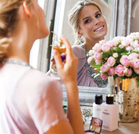 imagenes y frases mujeres frente al espejo h 225 bitos de estilo que har 225 n que te sientas m 225 s feliz y